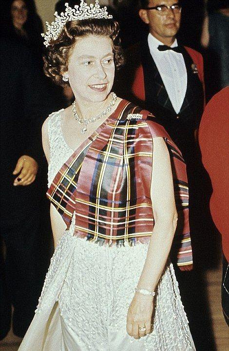 Queen Elizabeth - Stewart Royal Tartan