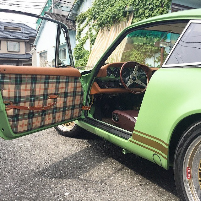 Green-Porsche-Tartan-Interior