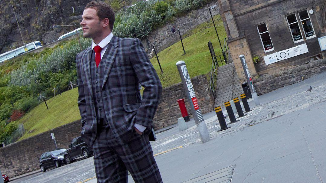 Anzüge mit Schottenmuster für Herren