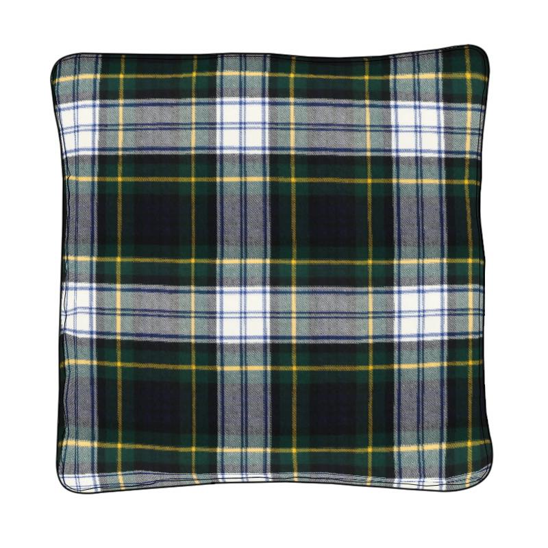 Housses de coussin écossaises passepoilées in Gordon Dress Modern