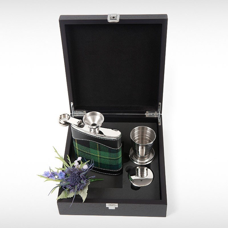 Hip Flask Set in Pride of Ireland