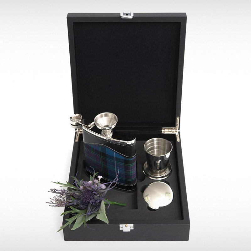 Hip Flask Set in Pride of Scotland Ancient