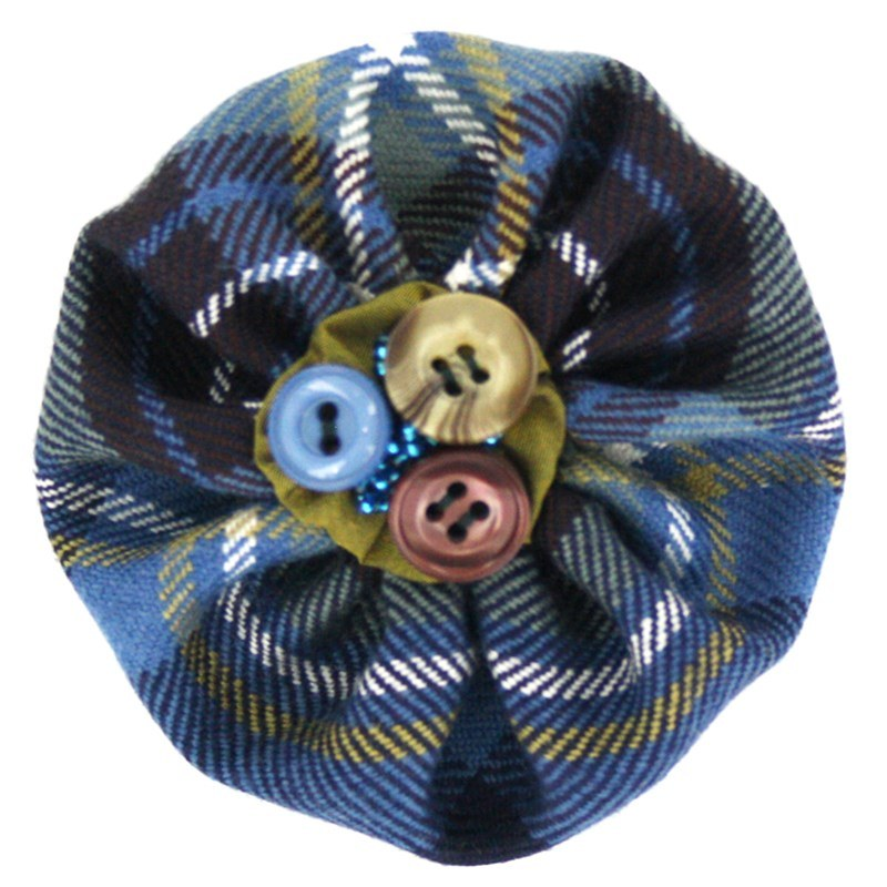 Button Tartan Brooch in Holyrood