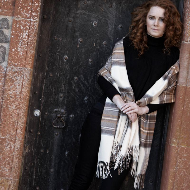 Luxurious Plaid Cashmere Stole