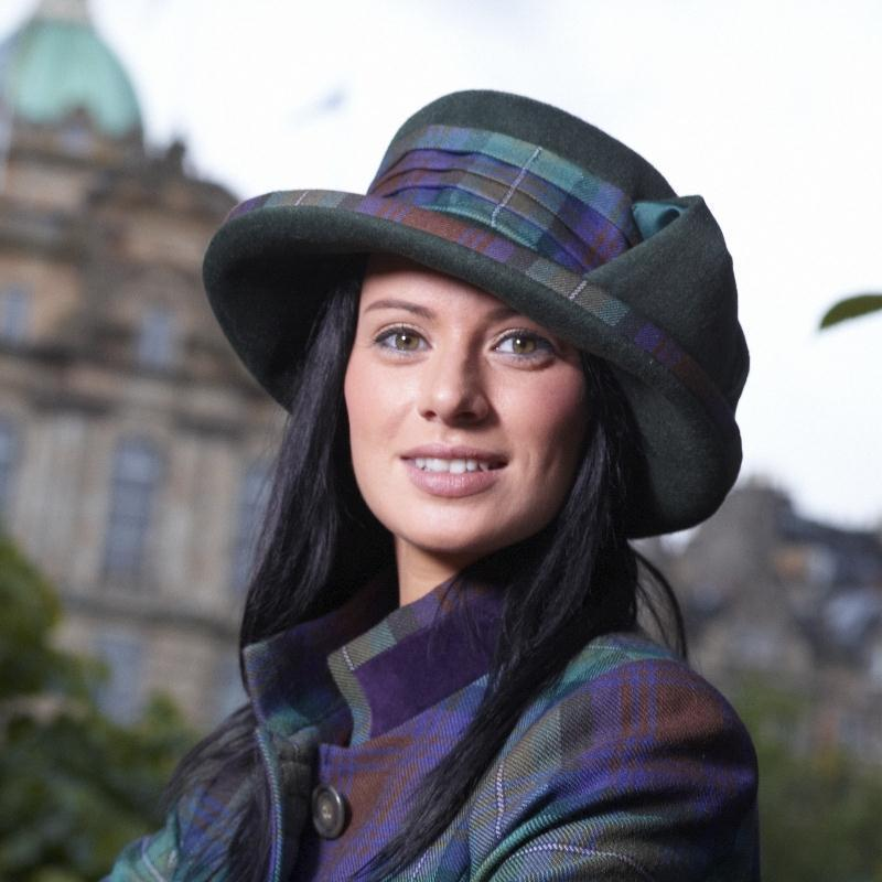 Amelia Plaid Hat