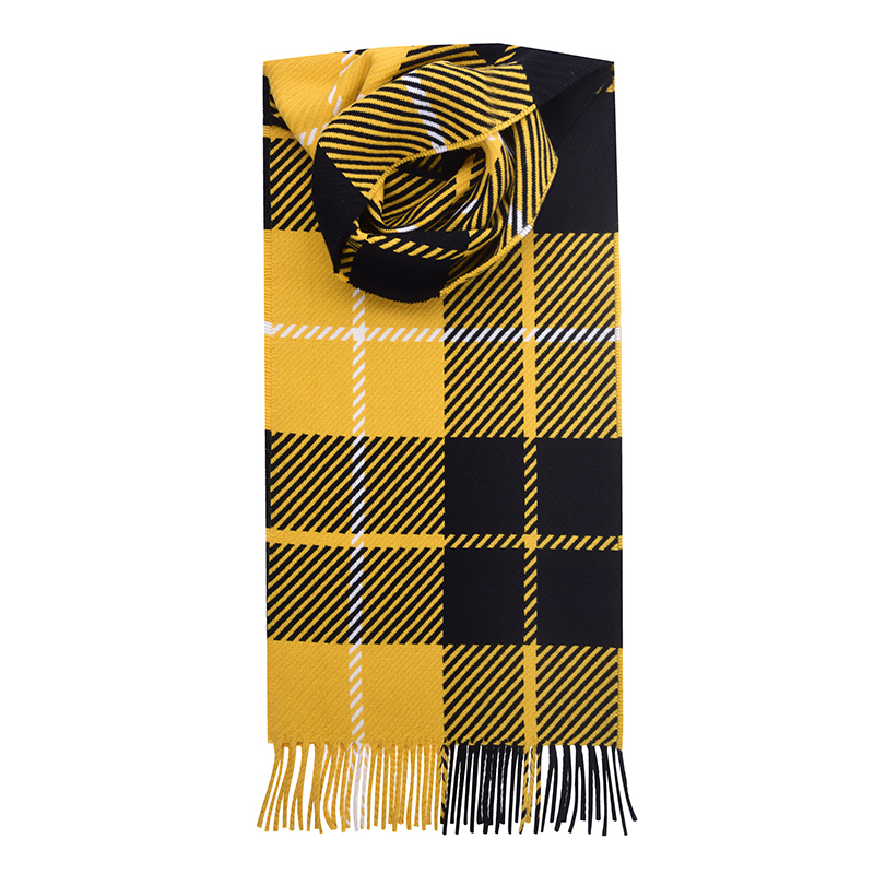 Oversized Check Tartan Scarf in Barclay Dress Modern