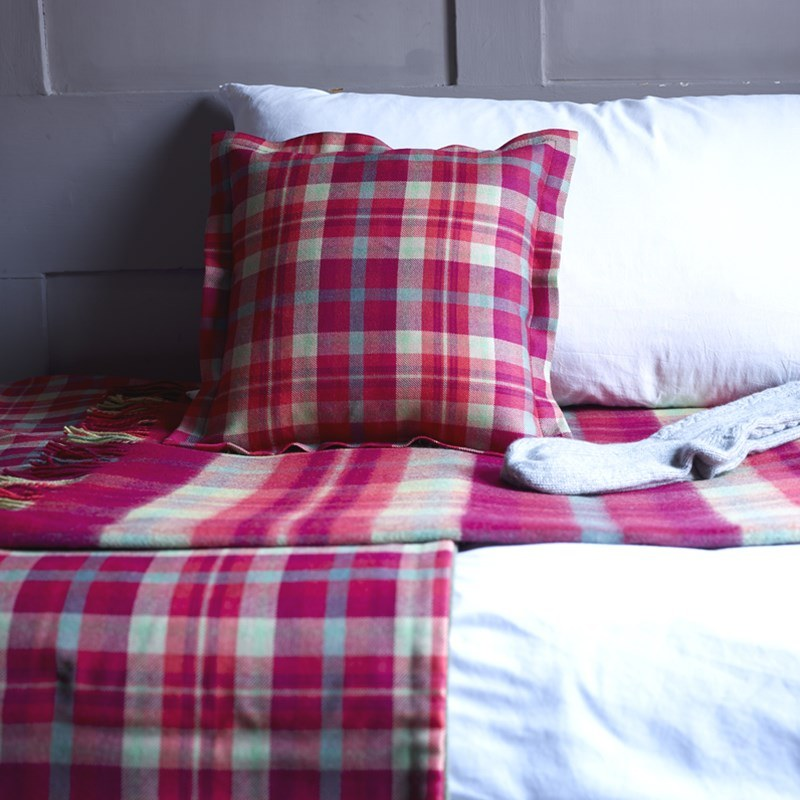 Tartan Bed Runner Highland Rose 1