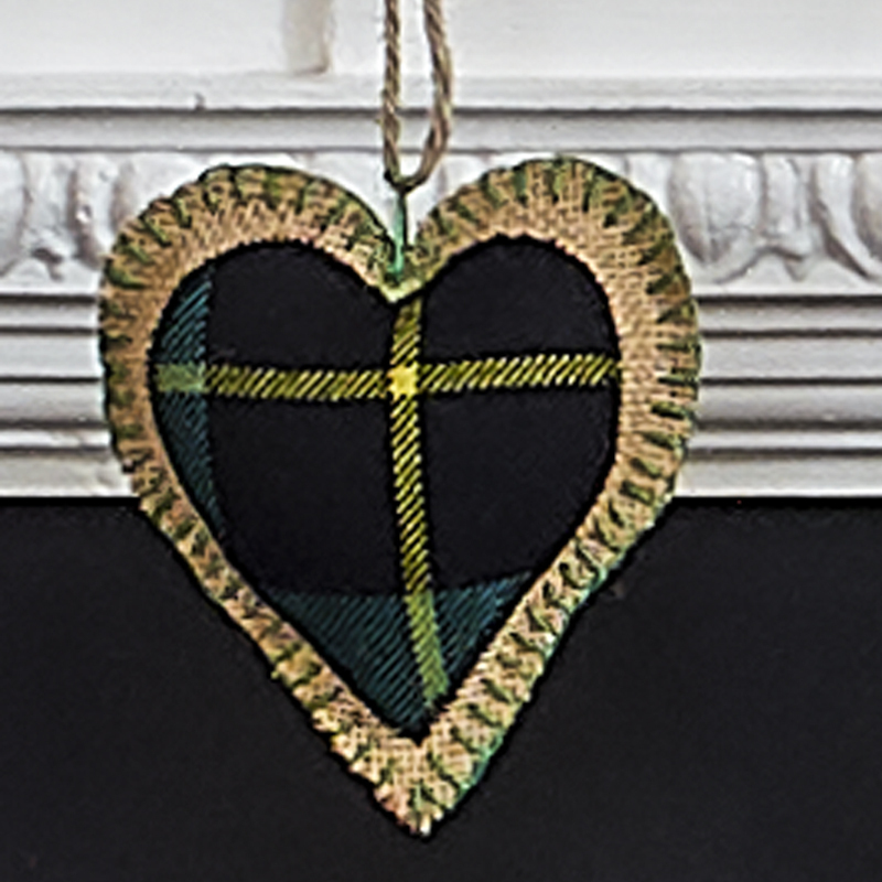 Scottish Plaid Heart in Wallace Hunting Ancient