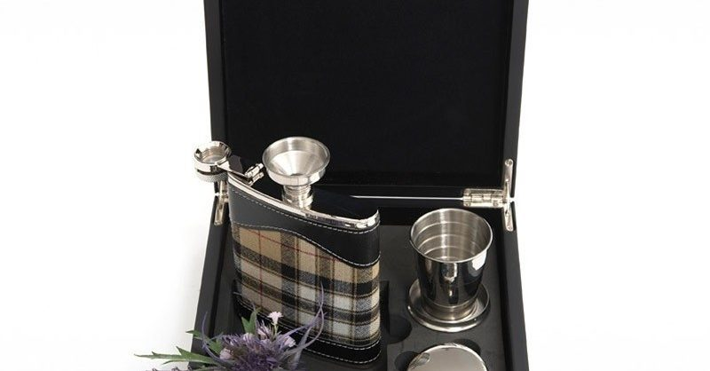 Hip Flask Set Up To 500 Tartans Scotlandshop