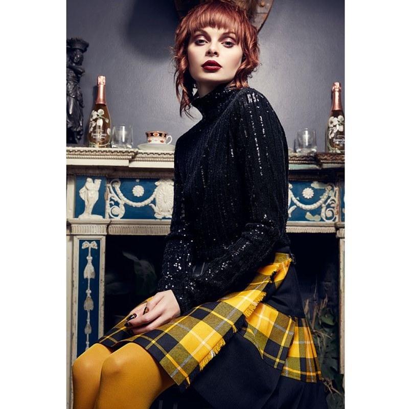 Barclay Dress Modern Skirlt Lifestyle1