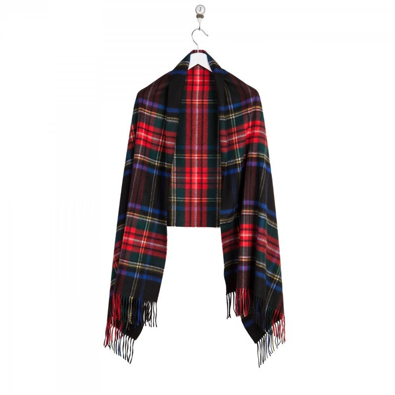 Luxurious Tartan Cashmere Stole in Stewart Black